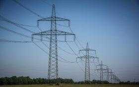 Tìm hiểu về các thiết bị điện trong hệ thống đường dây điện trên không